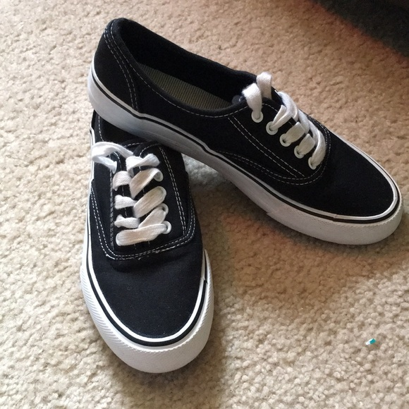 10636d4ca40 Rarely worn fake vans
